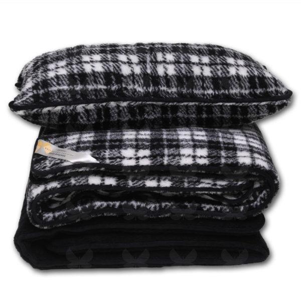 A Black Jack kockás garnitúra tartalma - derékalj, takaró, párna