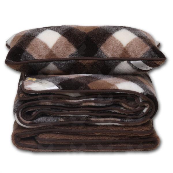 A Brownie kockás garnitúra tartalma - derékalj, takaró, párna