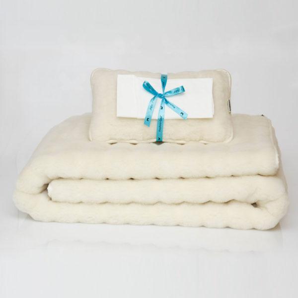 Favorit csíkos takaró, 25x40 cm-es párnával rávaló huttal - elegáns csomag